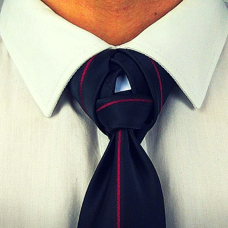See Through Knot red-black